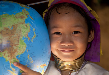 Thailand, Mae Hong Son, girl pointing on globe.