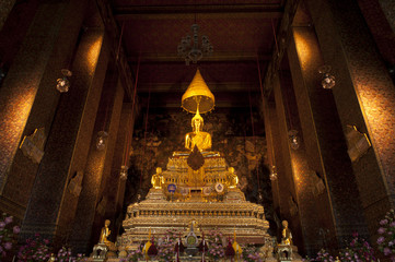 Golden Buddha Image at Wat Pho,Stutue of buddha