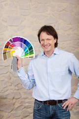 maler mit farbfächer