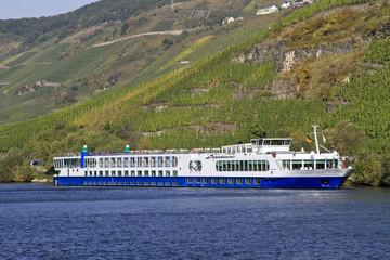 Hotelschiff auf der Mosel