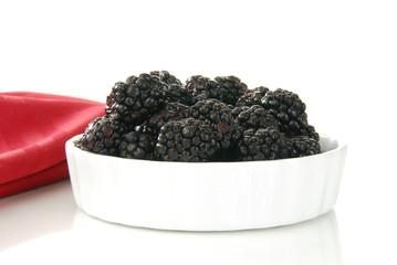 Small bowl of fresh blackberries