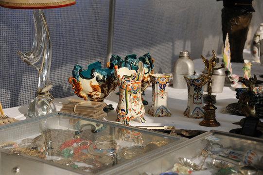 brocante : barbotine et poterie