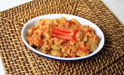 chair à saucisse et légumes