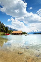 Maligne Lake im Jasper Nationalpark, Kanada