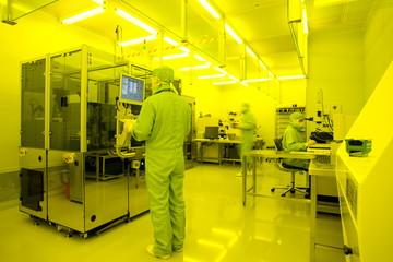 Industrie Produktion Forschung Entwicklung Reinraum