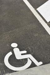 place de parking handicapé