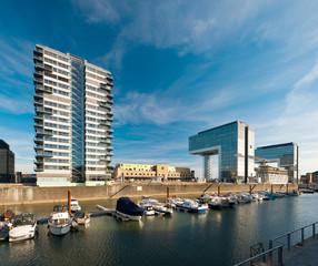 Moderner Hafen in Köln
