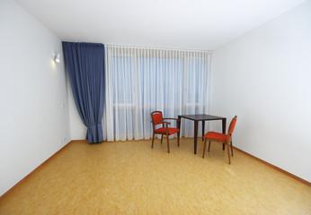 großer Raum ohne Möbel