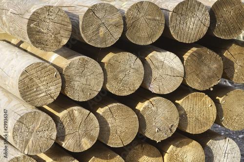 rondins de bois photo libre de droits sur la banque d. Black Bedroom Furniture Sets. Home Design Ideas