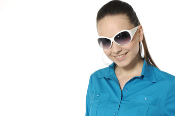close-up portrait of young woman wearing stylish sunglasses