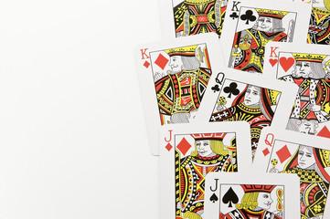 白背景に複数の絵柄のカード