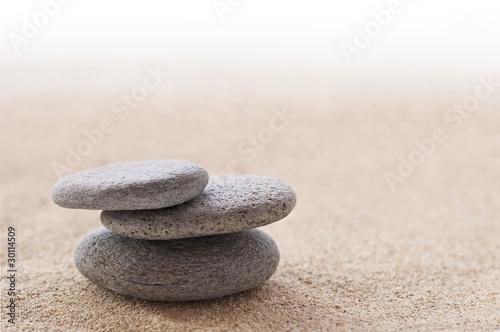 sable et galets zen photo libre de droits sur la banque d 39 images image 30114509. Black Bedroom Furniture Sets. Home Design Ideas
