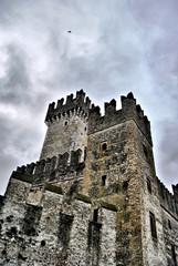 Il cielo, il castello, la storia.