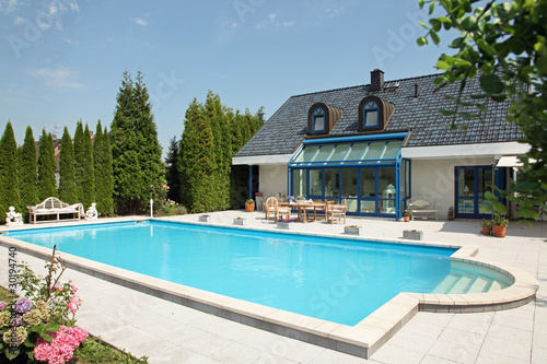 Einfamilienhaus mit pool  Einfamilienhaus mit Pool