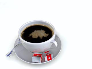 Kaffeetasse mit Schaum in Länderform