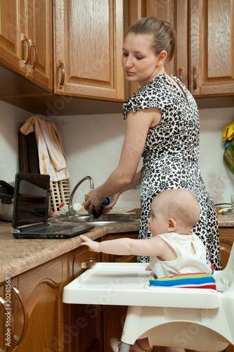 мооодые мамы голые в холатиках фото