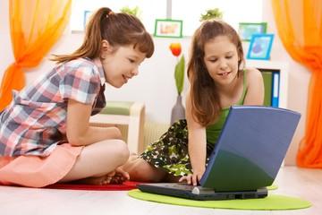 Schoolchildren using internet