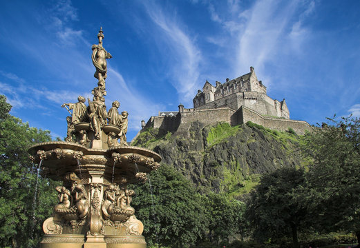 Edinburgh Castle From Princes St Gardens