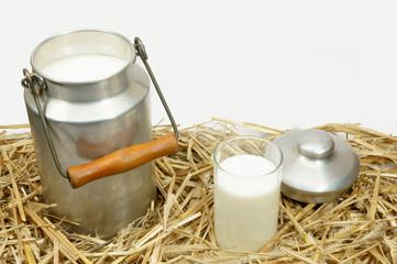 Milch im Stroh