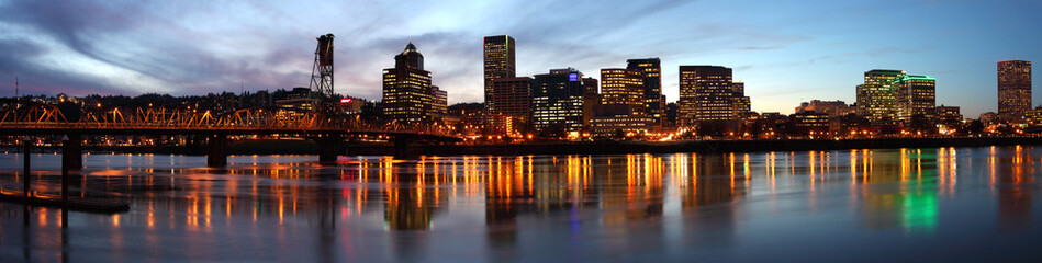 Portland Oregon panorama at dusk.