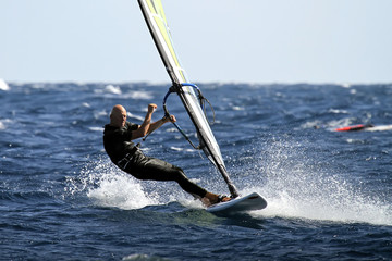 windsurfing slalom