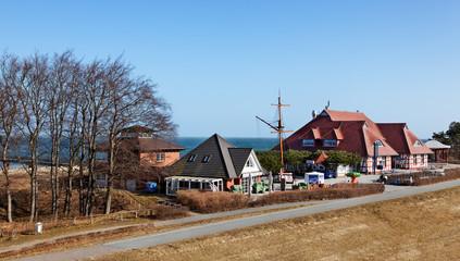 Blick auf Kurhaus und Seebrücke in Zingst, Ostsee