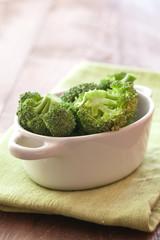 Brokkoli in Schale