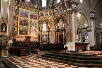 Valencia cathedral interior