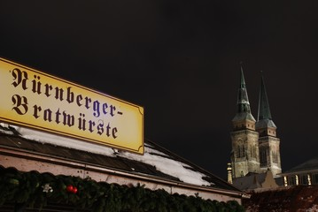 Christkindlesmarkt Weihnachten Nürnberger Bratwürste Hauptmarkt