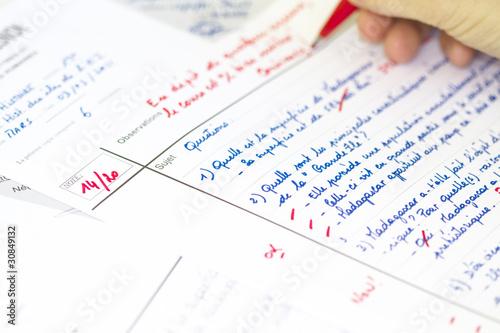 modele de dissertation en francais Pour une dissertation en deux parties,  la transition est donc un tout petit paragraphe qui apparaît entre les blocs des parties développées de la dissertation.