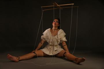 Marionettenfigur Puppenspielerin