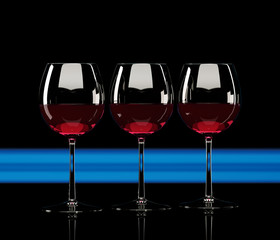 3 Weingläser mit Blau