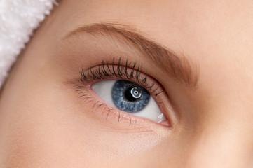 beautiful girl blue eye make-up zone