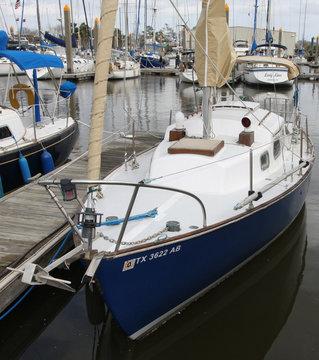 Tartan 27 Sailboat