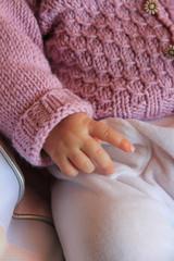 mani piccole manine