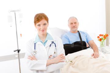 Hospital - doctor patient broken arm