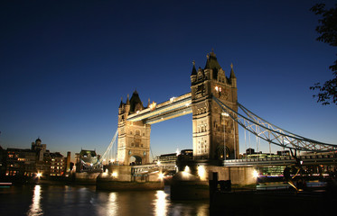Wall Mural - Tower Bridge in London