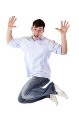 Junger attraktiver Mann  macht vor Freude einen Luftsprung