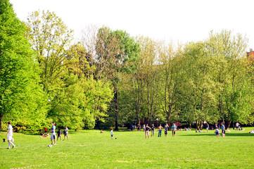 Giocare al parco