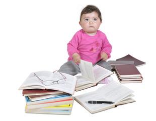 bebé estudiando.