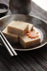 高野豆腐の煮物で一杯