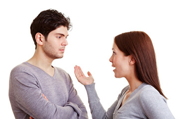 Frau macht Mann Vorwürfe