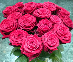 Bouquet de rouges roses