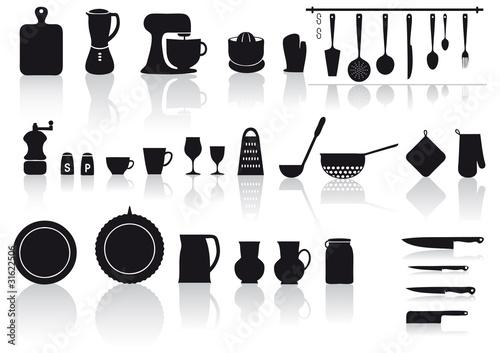 Set di utensili attrezzi e posate per cucinare immagini e vettoriali royalty free su fotolia - Attrezzi per cucina ...