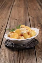 Potatoes with mozzarella cheese