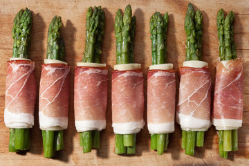 asparagus and ham with cheese