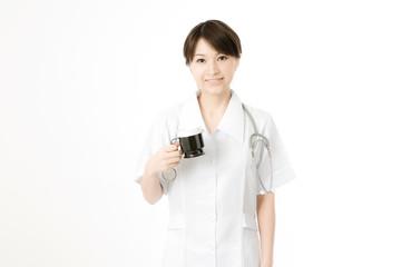 コーヒーブレイクする医療従事者