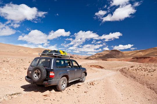 Offroad car in Dades Valley, maroc desert