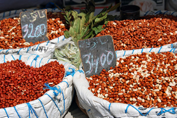 Erdnüsse auf dem Wochenmarkt von Djerba