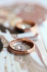 Classic golden ring